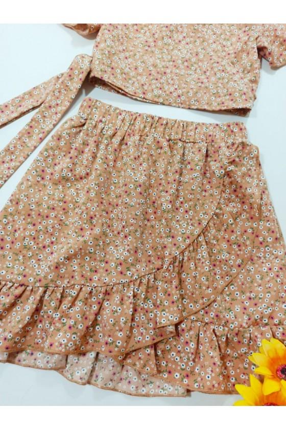 Set Kaya blouse and cappuccino skirt