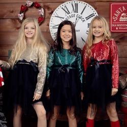 Sukienki Mari i każda mała modnisia będzie błyszczeć jak gwiazdka 🌟✨ #magicznyczas #modadziecięca #gwiazda